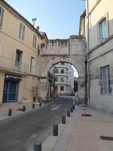 102-nimes-porta-de-france
