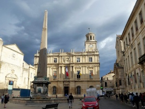 275-arles-plaza-de-la-republica