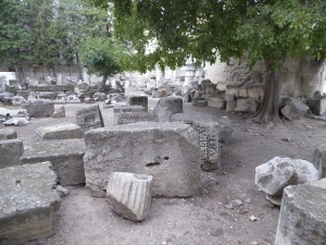 321-arles-teatro-antiguo