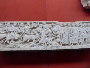 387-arles-museo-departamental-del-arles-antiguo-sarcofago-del-paso-del-mar-rojo-fines-del-siglo-iv