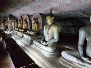 203-dambulla-templos-rupestres