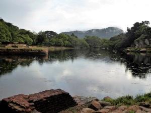 364-mihintale-kaludiya-pokuna-estanque-del-agua-oscura