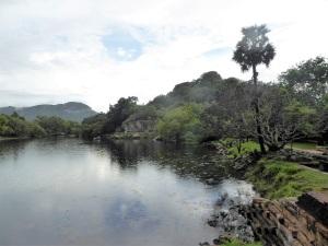 367-mihintale-kaludiya-pokuna-estanque-del-agua-oscura