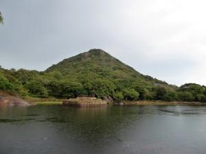 376-mihintale-kaludiya-pokuna-estanque-del-agua-oscura