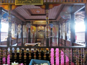790-kandy-templo-del-diente-de-buda
