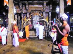 794-kandy-templo-del-diente-de-buda