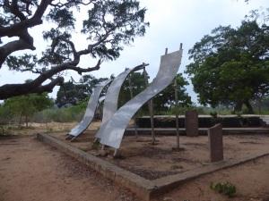 1347-parque-nacional-de-yala-monumento-a-las-victimas-del-tsunami