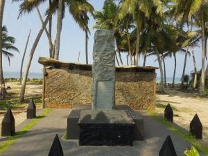 1497-monumento-recuerdo-al-tsunami