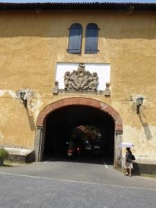 1566-galle-antigua-puerta