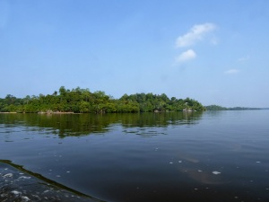 1599-paseo-por-rio-y-laguna-madu