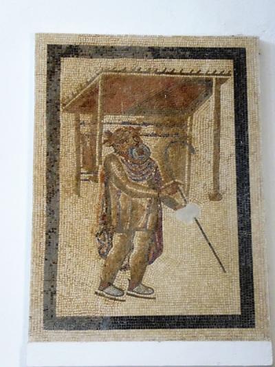 143-cordoba-alcazar-de-los-reyes-cristianos-salon-de-los-mosaicos-actor-tragico