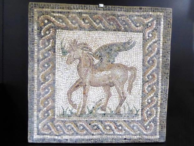 219-cordoba-museo-arqueologico-mosaico-romano-representando-a-pegaso-siglo-ii