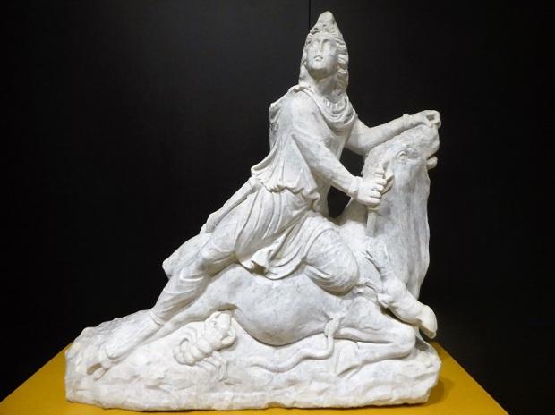 221-cordoba-museo-arqueologico-mitra-sacrificando-al-toro-romano-siglo-ii-procede-de-villa-del-mitra-cabra