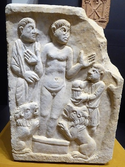 222-cordoba-museo-arqueologico-fragmento-de-sarcofago-con-daniel-en-el-foso-de-los-leones-principios-siglo-iv-procede-de-belalcazar