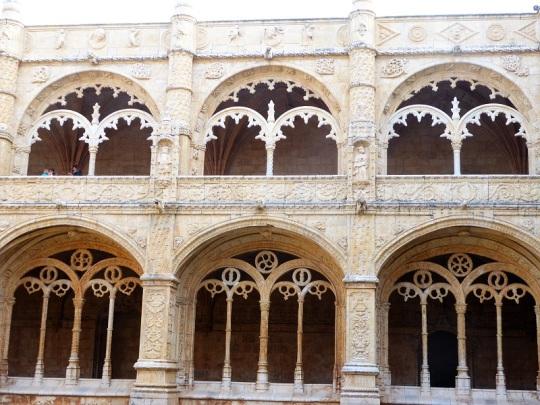 030-monasterio-de-los-jeronimos-claustro