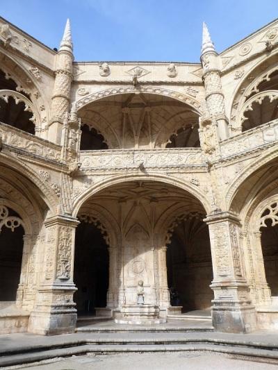 032-monasterio-de-los-jeronimos-claustro