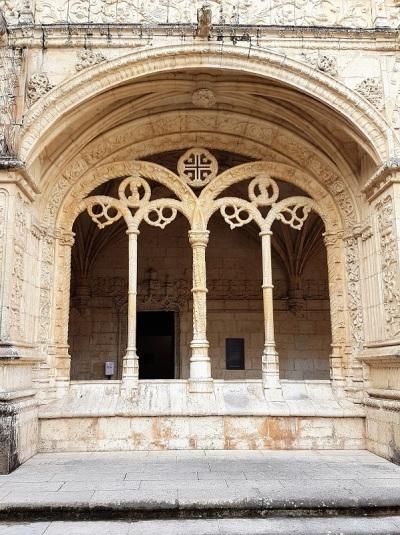 046-monasterio-de-los-jeronimos-claustro