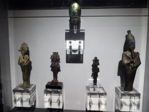081-monasterio-de-los-jeronimos-museo-de-arqueologia-figuras-egipcias