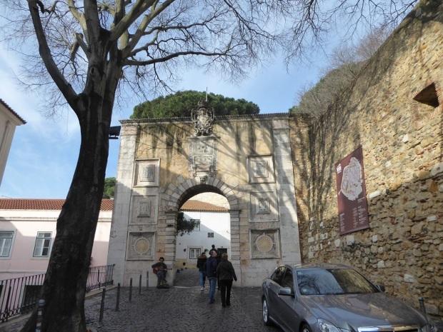 323-castillo-de-san-jorge-acceso