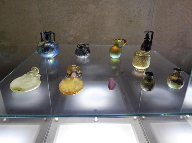 414-museo-calouste-gulbenkian-vidrios-romanos-siglos-i-a-vi