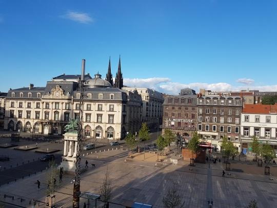 001. Clermont-Ferrand. Plaza de Aude desde el hotel