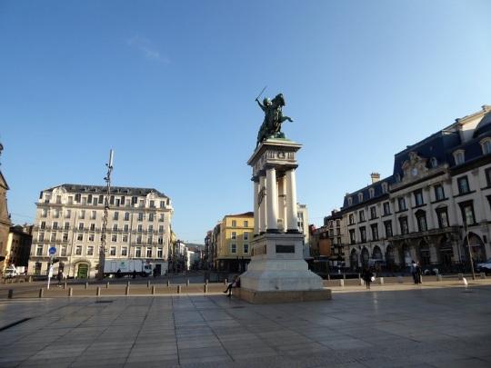 010. Clermont-Ferrand. Plaza de Aude. Estatua de Vercingetorix