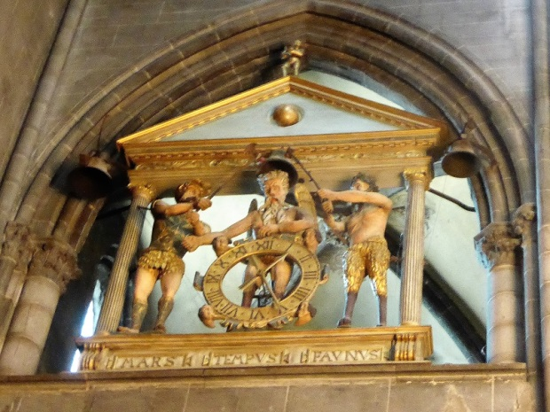 021. Clermont-Ferrand. Catedral. Reloj