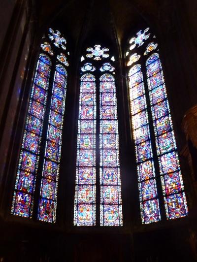 026. Clermont-Ferrand. Catedral. Puerta sacristía
