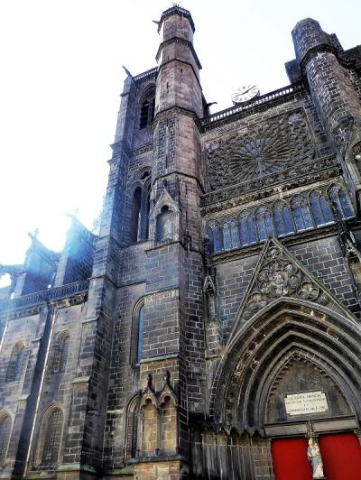 037. Clermont-Ferrand. Catedral. Torre de la Bayette