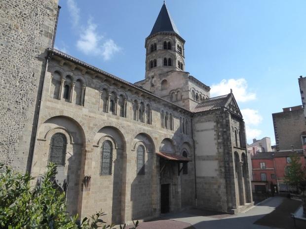 044. Clermont-Ferrand. Notre Dame du Port