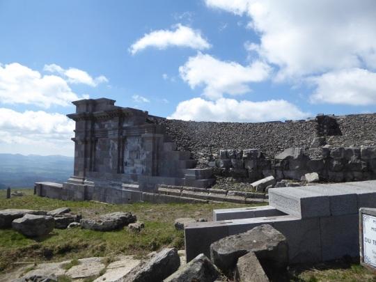 098. Le Puy de Dôme. Ruinas del templo de Mercurio (siglo II)