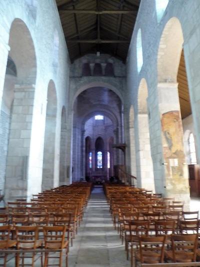 160. Ebreuil. Interior