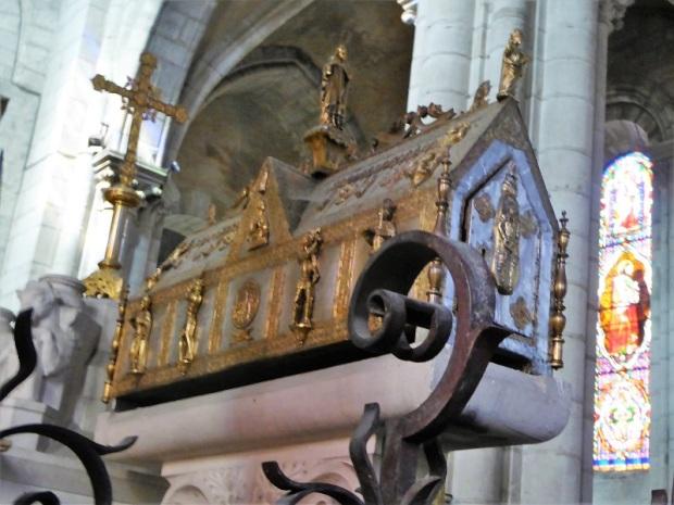 162. Ebreuil. Caja de San Ligero. Siglo XVI