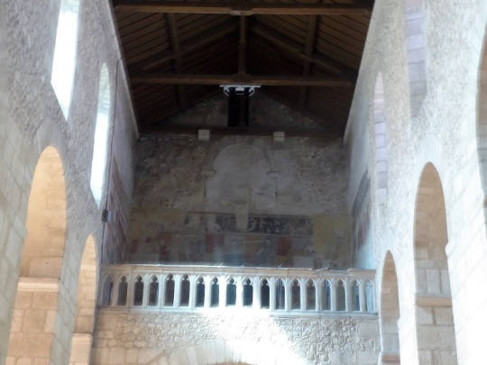 167. Ebreuil. Tribuna con frescos del XII