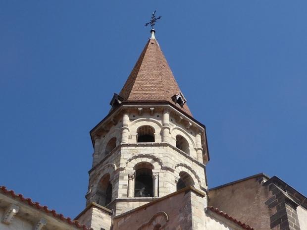 207. Ennezat. San Víctor y Santa Corona