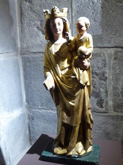 273. Orcival. Cripta. Virgen Gótica