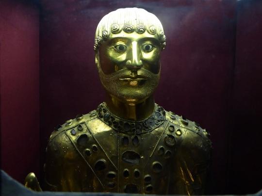 327. Saint Nectaire. Busto de San Baudime. Siglo XII
