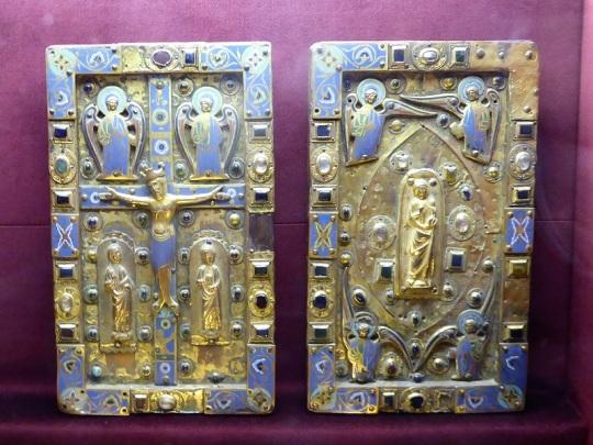 328. Saint Nectaire. Esmaltes de Limoges. Siglo XII
