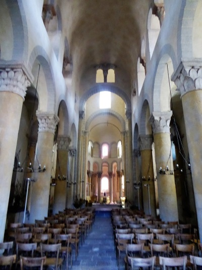 331. Saint Nectaire. Nave central