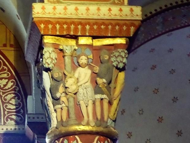 390. Issoire. St-Austremoine. Capitel del coro. La Pasión. Cristo atado a la columna