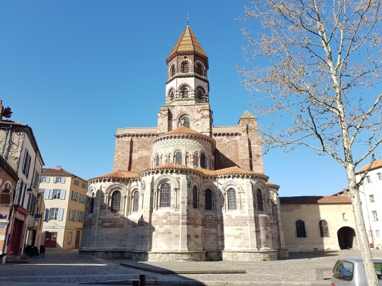 481. Brioude. St-Julien. Cabecera
