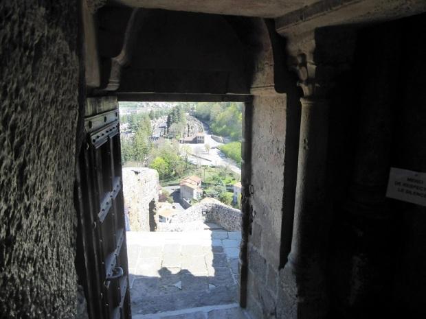 588. Le-Puy-en-Velay. St-Michel-d'Aiguilhe
