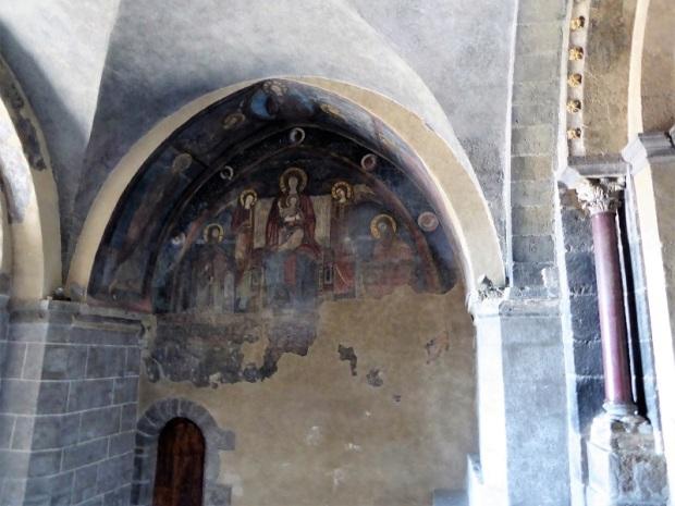 614. Le-Puy-en-Velay. Acceso a la catedral. LaTransfiguración. Pintura del XIII