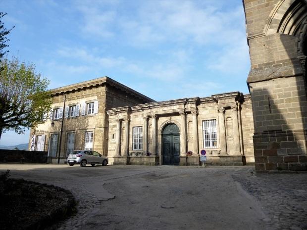 642. Le-Puy-en-Velay. Place du For