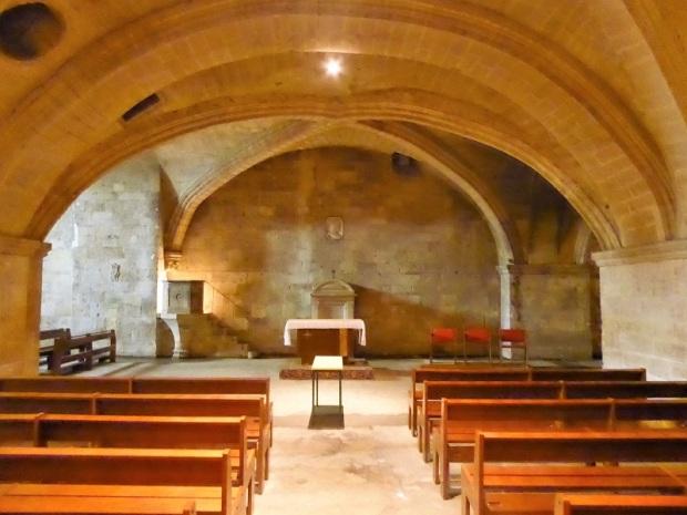 705. St-Gilles. Cripta hacia los pies