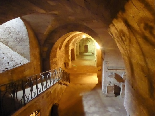 712. St-Gilles. Cripta