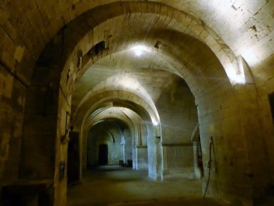 715. St-Gilles. Cripta