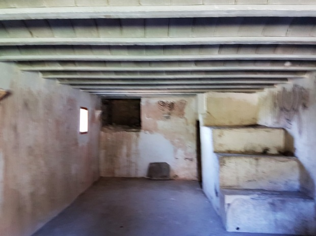 Casa ermitaño. 1r piso. Salón 1