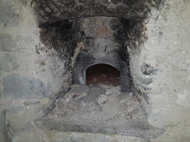 Casa ermitaño. Horno Interior