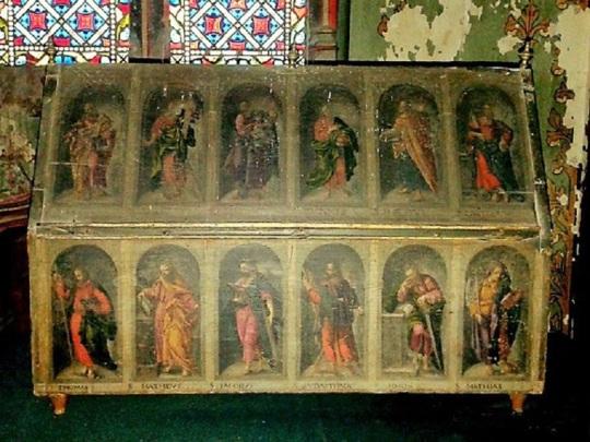 Mozac. Arca pintada St-Austrimonie.jpg
